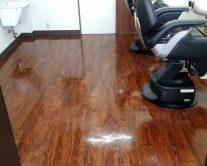 綾瀬駅理容室綺麗な床